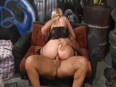 Dona Bell - exclusive scene