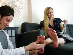 Dyke Worship's Blonde's Feet