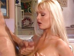 Nikki Anderson - Eva Contro Eva