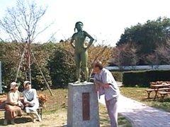 Japanese kinky slut becomes statue
