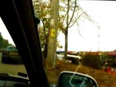 Colocou notebook no carro e se exibiu na rua