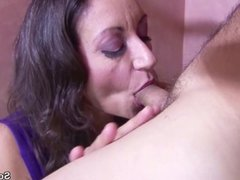Big Natural Tits MILF get her Hairy Pussy