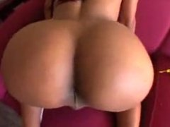 Shemale is putting on a sexy show - Transenficker666