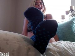 Jerk your cock while I slowly take off my socks