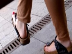 candid feet and toes young italien part one