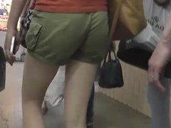 Upskirt Spying Girls in Public