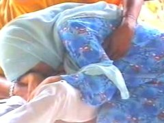 Tudung Biru BJ di Pondok
