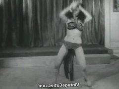Sensitive Dance of one Cute Minx (1950s Vintage)