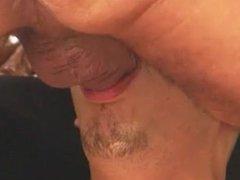 Follando la boca de un marica