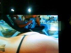 VIDEO 93 Punhetando e gozando no tablet V