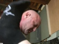 Young Twink blowjobs that bear big dicks deep throat