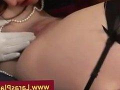 Mature Lara licks pussy