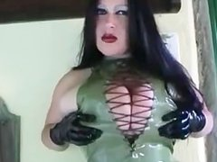 The Blowjob Lady jerks a load on her face