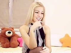 blonde playing with her sweet pussy(2).w