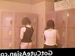 Voyeur Japanese teens in the locker room part1