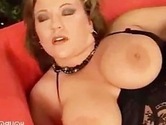 hottie in black lingerie plays with her pussy