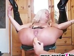 Kinky wife gets ass fisted hard and squirts