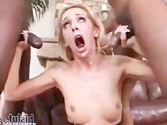 Kelly Wells can really take a dick!