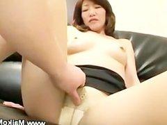 Mature japanese maiko seduces man