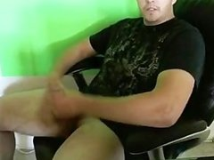 Great dick stroking vid Parrt 2 (CUMSHOT!)