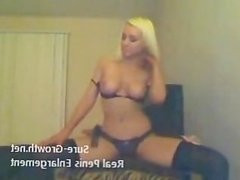 Blonde with a sexy body puts on a fantastic tease