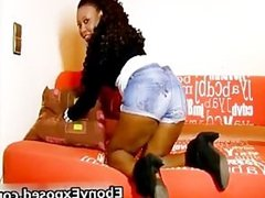 Hot Ebony Babe Shows her Naked Body part4