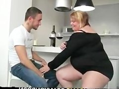 Horney bbw takes it from begind