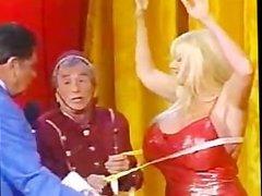 Kayla Kleevage - tv show - measure - sabadogigante - cunt showing