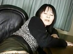 Japanese MILF enjoys masturbation part1