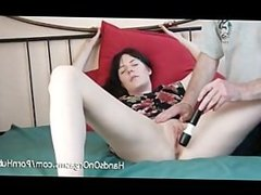 Samantha Bentley gets a Handjob for 2 Orgasms