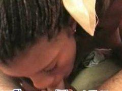 Ebony amateur gives bj