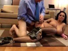 High heeled whore gets cumshot