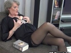 Mature housewife in sexy black stockings part1