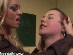 Lezdom queen enjoys her weak slave