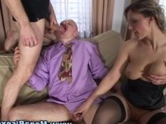 Anal bisex threesome becomes hardcore with fucking