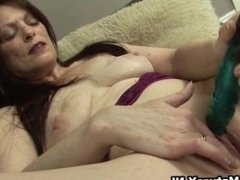 Horny mature mom loves to fuck part5