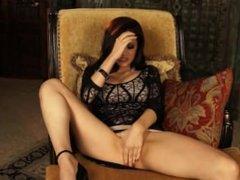 Vanessa Veracruz stuffing her tight pussy!