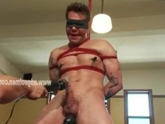 Bondage noob bound in ropes and masturbated by expert master who