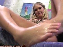 Slutty white girl getssome sticky feet for her hard work