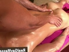 Amateur straight guy gets a massage