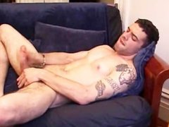 Hot Guy Cums On His Face