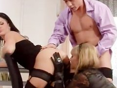 Glam slut gets pounded during a threeway