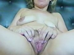 close up mature pussy-stretched then fucking