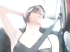 amateur threesome 69 brunette in car