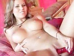 Babe masturbates on the bed