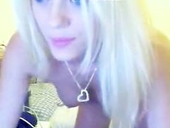 Perfect blonde masturbates on webcam