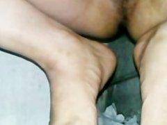 masturbation wc public. 5) me exite con el olor de mis calcetines