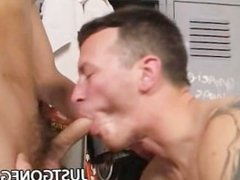 Twink Kit Deschanel gets curious on hot DILF Derrick Paul