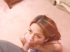 Asian amateur girl fucking on bed