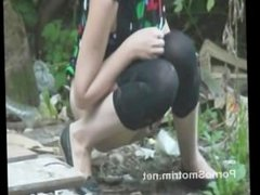 Pissing young girl